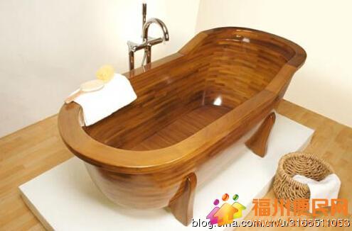 实木类浴缸主要有浴缸和浴桶