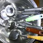 家用闲置旧铲勺