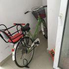上街大学城九成新自行车转让200元,赠送小孩座椅。